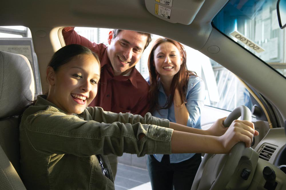 Safe driving tips for teens  http:// bit.ly/2vMJk4v  &nbsp;   #davisenterprise #Automotive #C1 <br>http://pic.twitter.com/4UdoIkedKe
