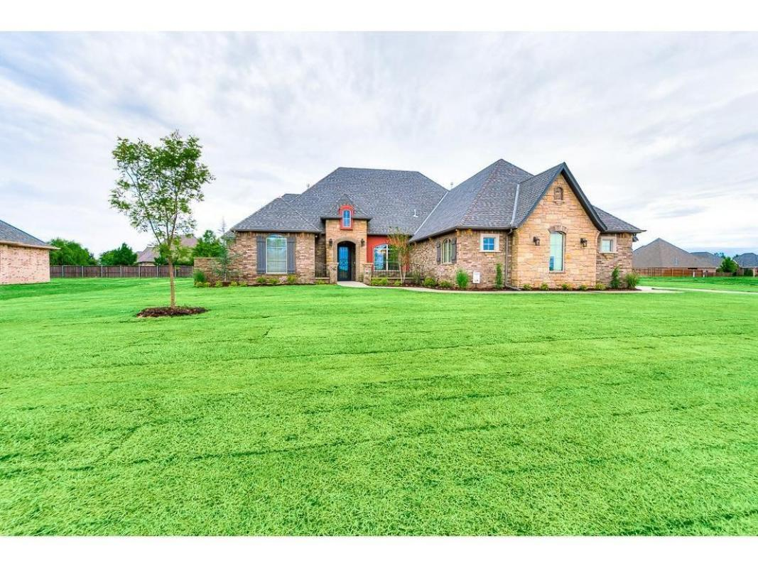 See a virtual tour of our listing on 1205 Sand Plum #Moore #OK  #realestate  http:// tour.circlepix.com/home/Y5W2B7  &nbsp;  <br>http://pic.twitter.com/YwtP1NXswM