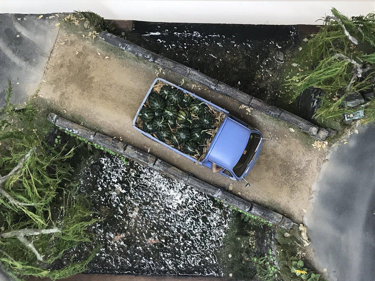 今日はイオンレイクタウンにアラーキーさんのジオラマを観に行ってきた。やっとゴッサムシティの現物を拝めた。ケースの反射で一部うまく写真に収められなかったけど、全方位から見れるようになってる展示はすごく良かったのです。