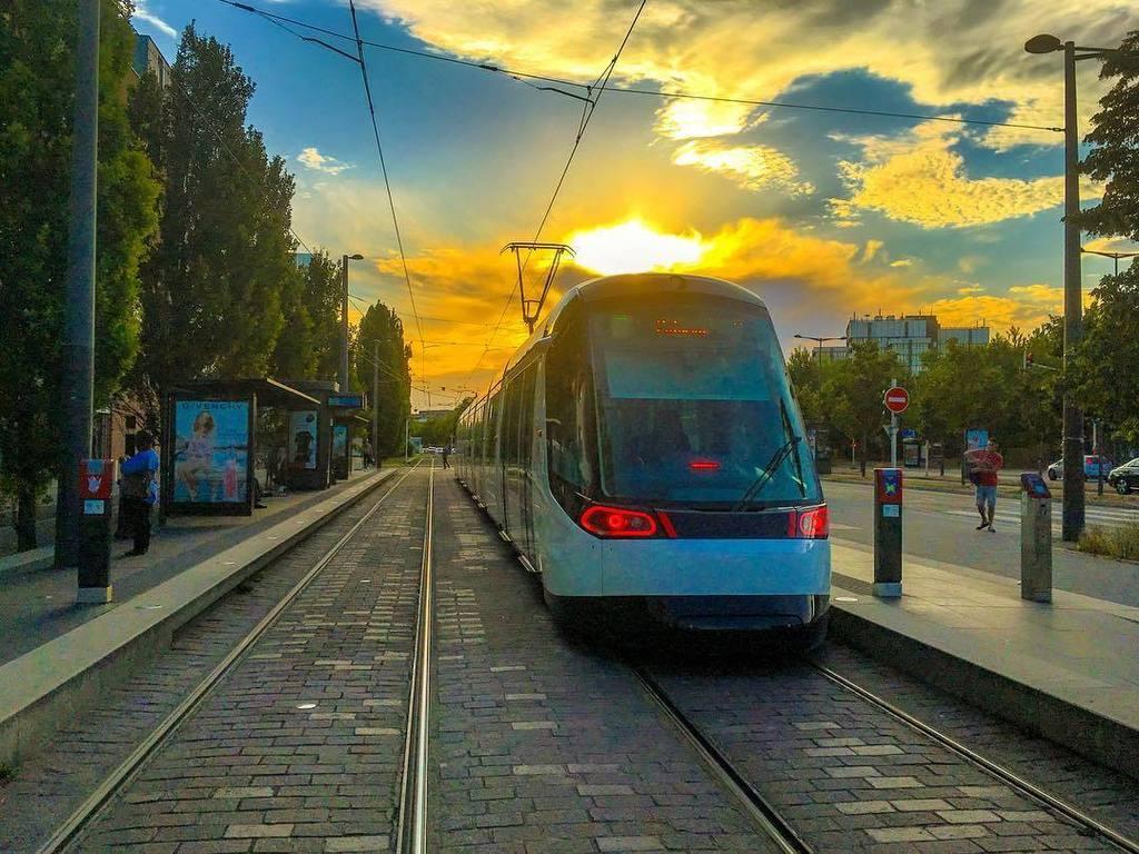 Strasbourg : European sunset . . . #strasbourg #basrhin #alsace #france #europe #transport #tramway #sunset #alsto…  http:// ift.tt/2x7FkuU  &nbsp;  <br>http://pic.twitter.com/sSQc8Z1h6n