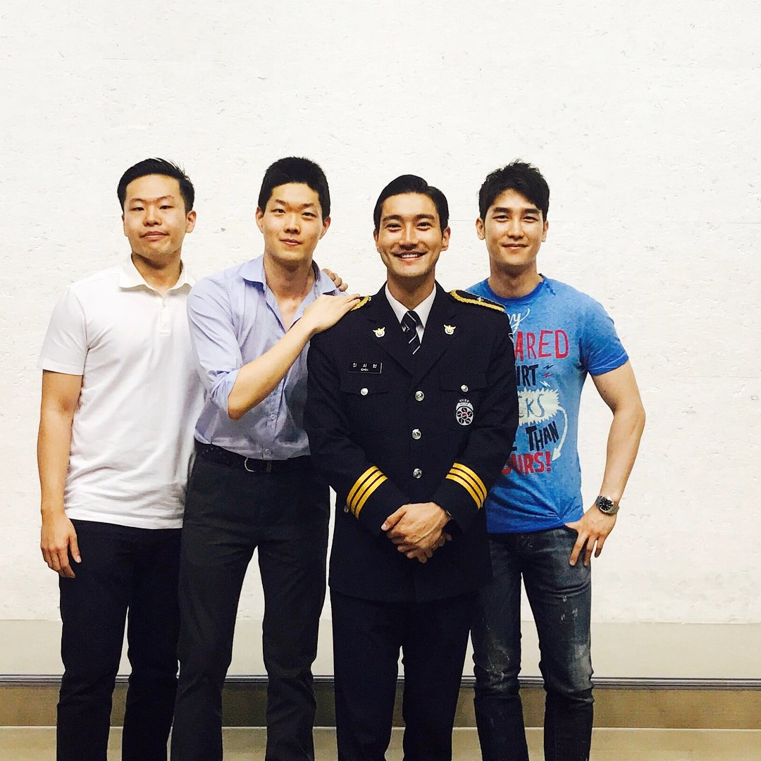 170817 ji_river Instagram updated @siwonchoi  #崔始源 #Siwon #최시원 :  #finally #end #bros #congratulations  中譯: #最後 #結束 #兄弟 #祝賀<br>http://pic.twitter.com/DuNkYHz2bA