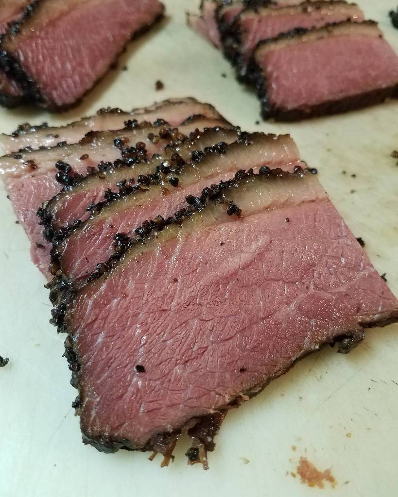 Y&#39;all know what day it is. #PastramiThursday  See y&#39;all soon  #BBQLife #BBQ #Barbecue #TXBBQ #TexasBBQ #HouBBQ #Meat #Hou #Houston #TX #Tex…<br>http://pic.twitter.com/6e5s2ieNYZ