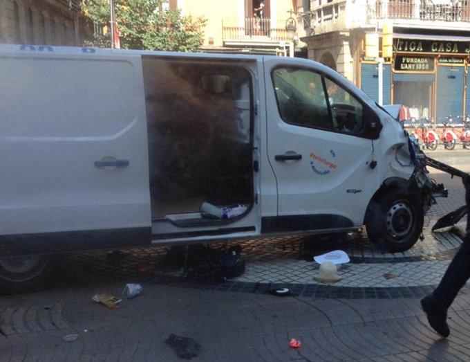 Barselonada dəhşətli terror: 13 ölü, 25 yaralı – terrorçular türk restoranına daxil olaraq, orada olanları girov götürüblər FOTOLAR+VİDEO (Yenilənib)