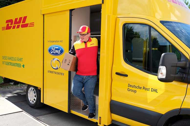 The new electric delivery van from @DHLsupplychain and @Ford has been unveiled!   Read  http:// bit.ly/2v4WxUn  &nbsp;   #supplychain #electric<br>http://pic.twitter.com/z57xG1yPTV