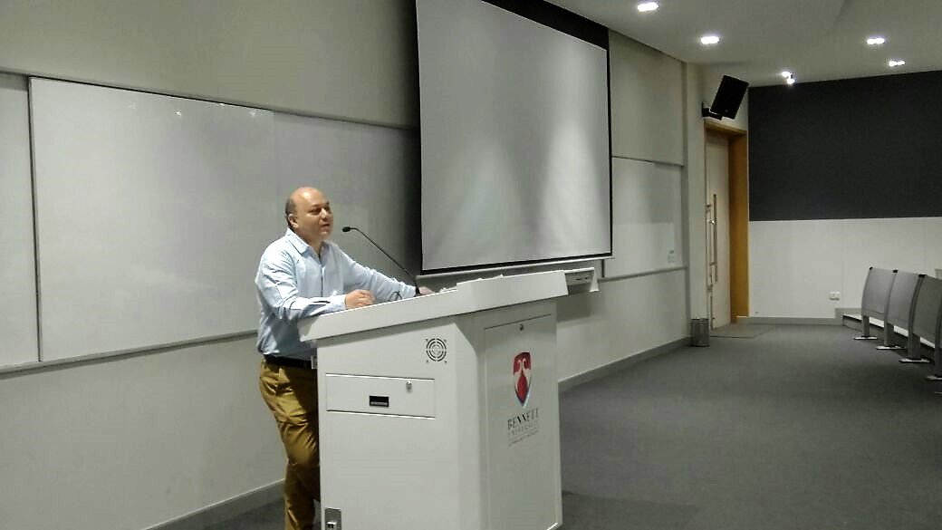 Mr. Vikas Singh, Deputy Executive #Editor, @timesofindia delivered a #lecture to the #MassComm students on &#39;The making of a #newspaper&#39;.<br>http://pic.twitter.com/J33xAdRUyQ