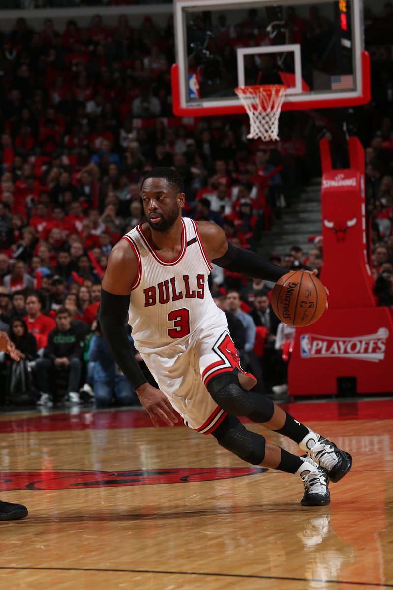 Dwyane Wade, Chicago Bulls expected to reach buyout this season  MORE:...