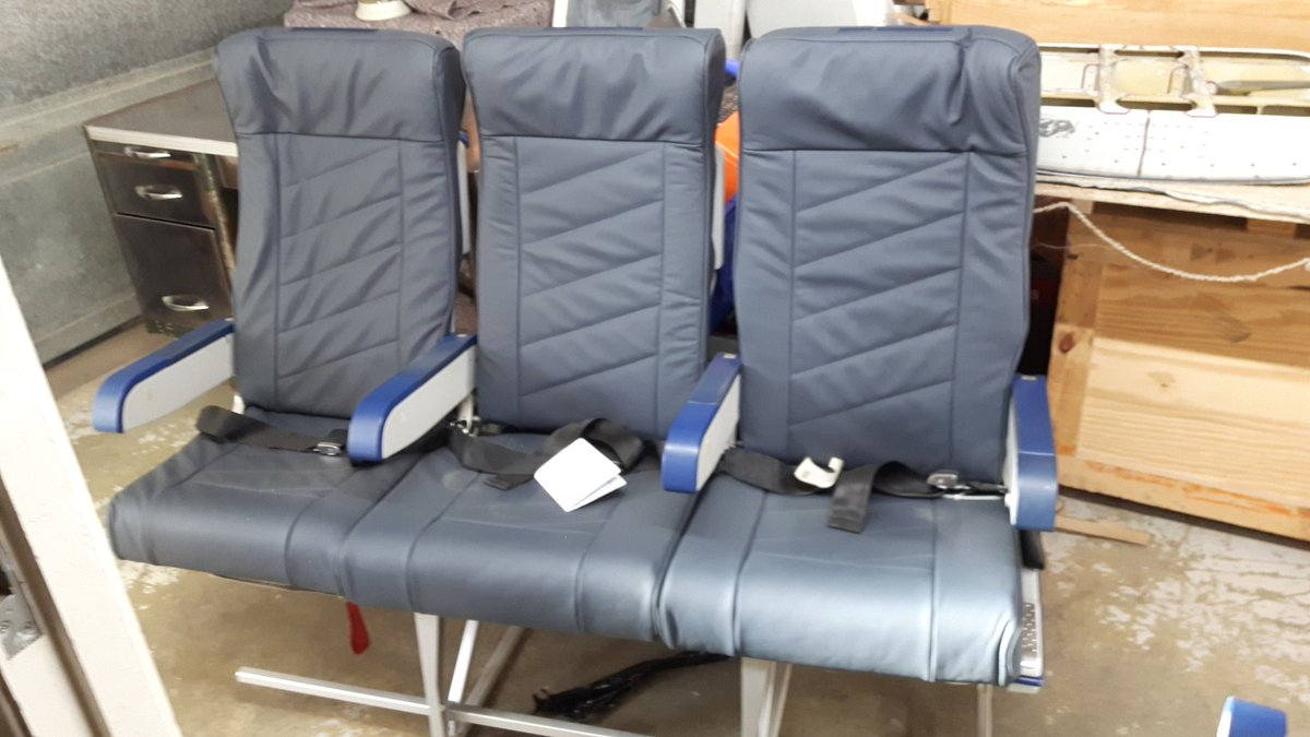 Newly  refurbished  set of seats #upcycled #757 #jet  #avgeek<br>http://pic.twitter.com/WHlwzrqFjt