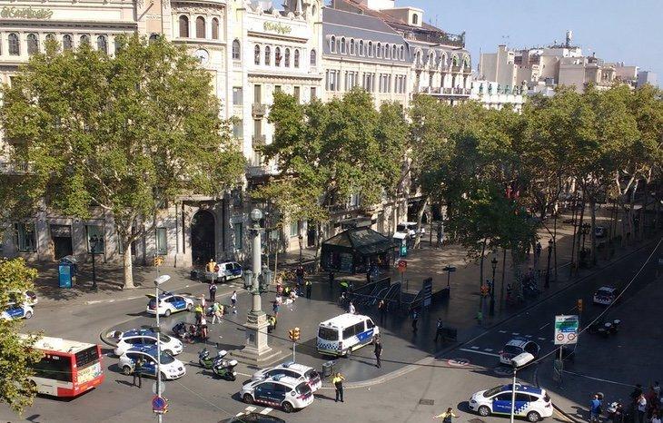 عاجل | الشرطة الإسبانية: 32 قتيلا وجريحا ضحية #هجوم_برشلونة منهم 10 إص...