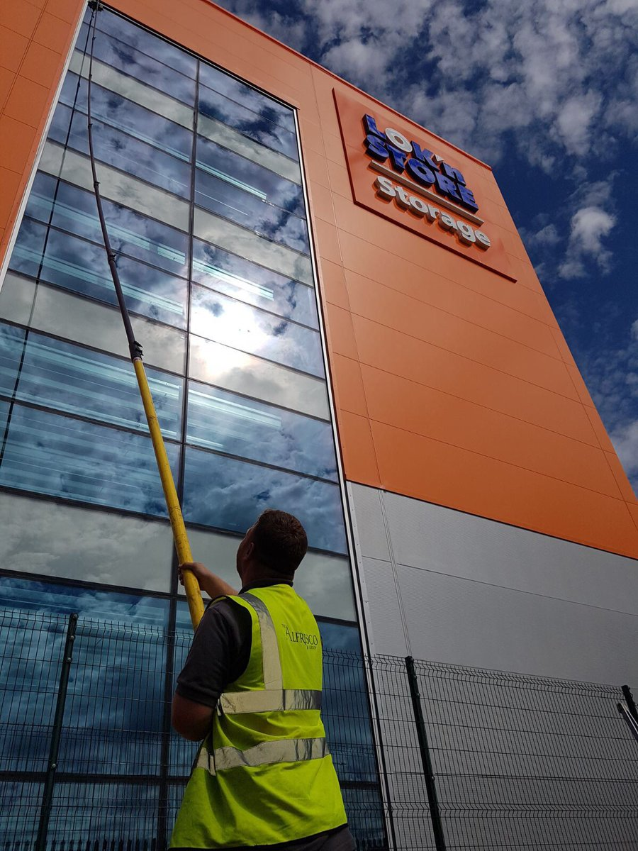 Great Weather For Washing Windows In >> Alfresco Group On Twitter Great Work From Our Team Washing