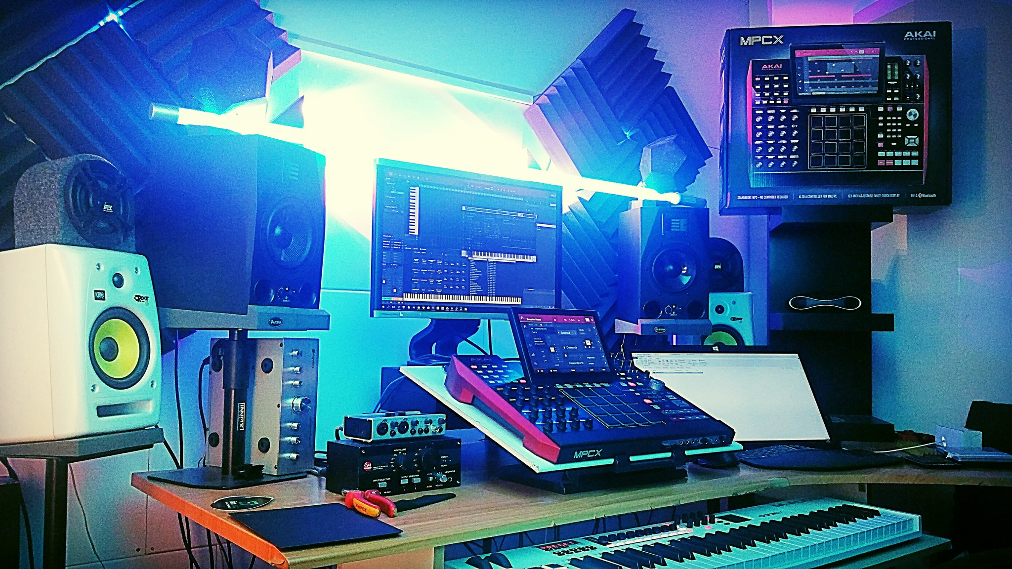 Akai MPC Forums - SHOW YOUR VIDEOS OR PICS WITH THE MPC LIVE/X, YOU
