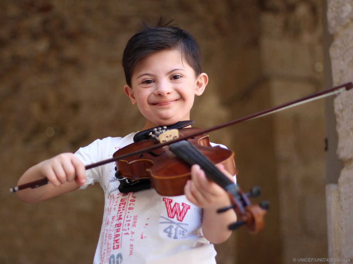 A beaming smile ❤️ Somar, 8, lives in Aleppo #Syria and wants to be a violinist and a professional swimmer when he grows up. #ThisAbility