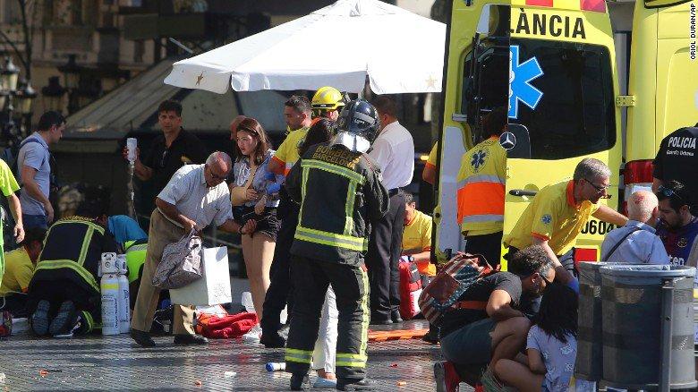 Ataque terrorista en Barcelona: lo que sabemos a esta hora   Sigue a @cnnespana