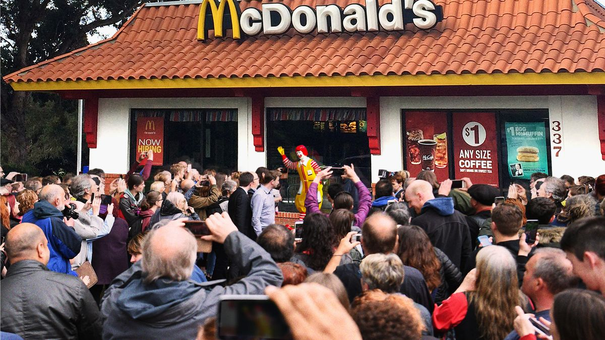 Nation Rallies Around Ronald McDonald Statue That Embodies Country's True Heritage https://t.co/6iiQVDQhX9 https://t.co/O0N4UM37u8
