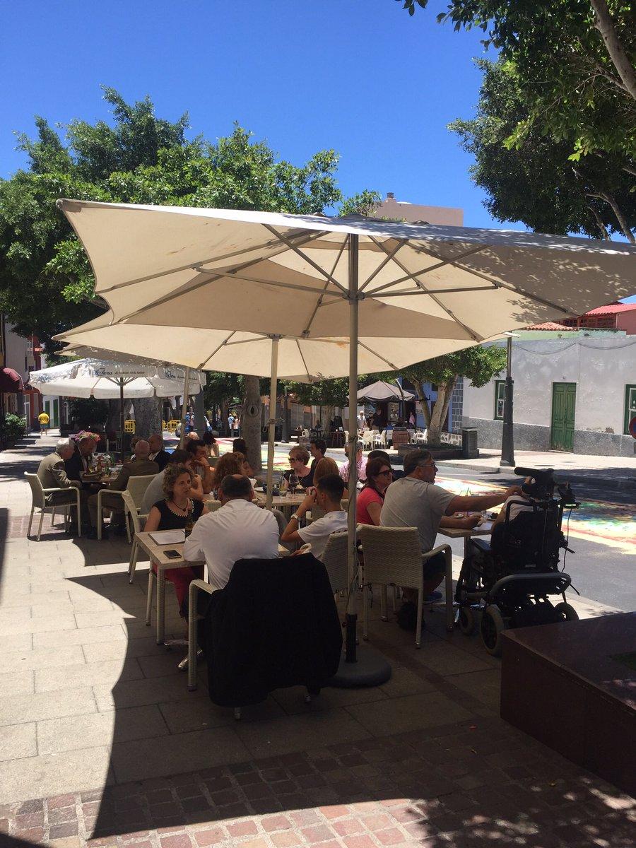 Find out where to find the best spicy garlic chicken in Tenerife  http://www. tapasintenerife.com  &nbsp;   #chicken #holiday #travel #restaurant #sun #World<br>http://pic.twitter.com/U3H4zvfAz4