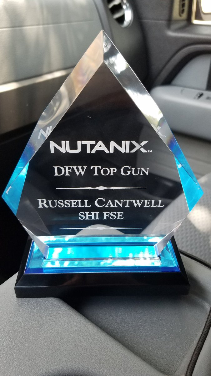 Thanks @nutanix for my undeserved but much appreciated award! Also my fave movie! #HCI #TopGun<br>http://pic.twitter.com/Sz1VHt9UxR