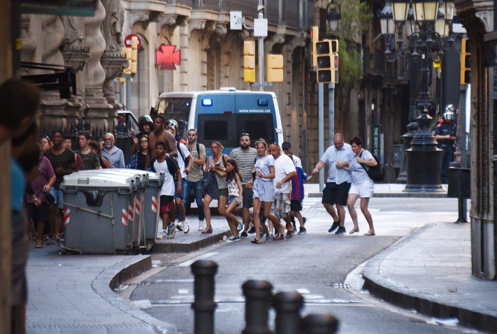 Attentato #Barcellona, la condanna dello sport spagnolo → https://t.co...