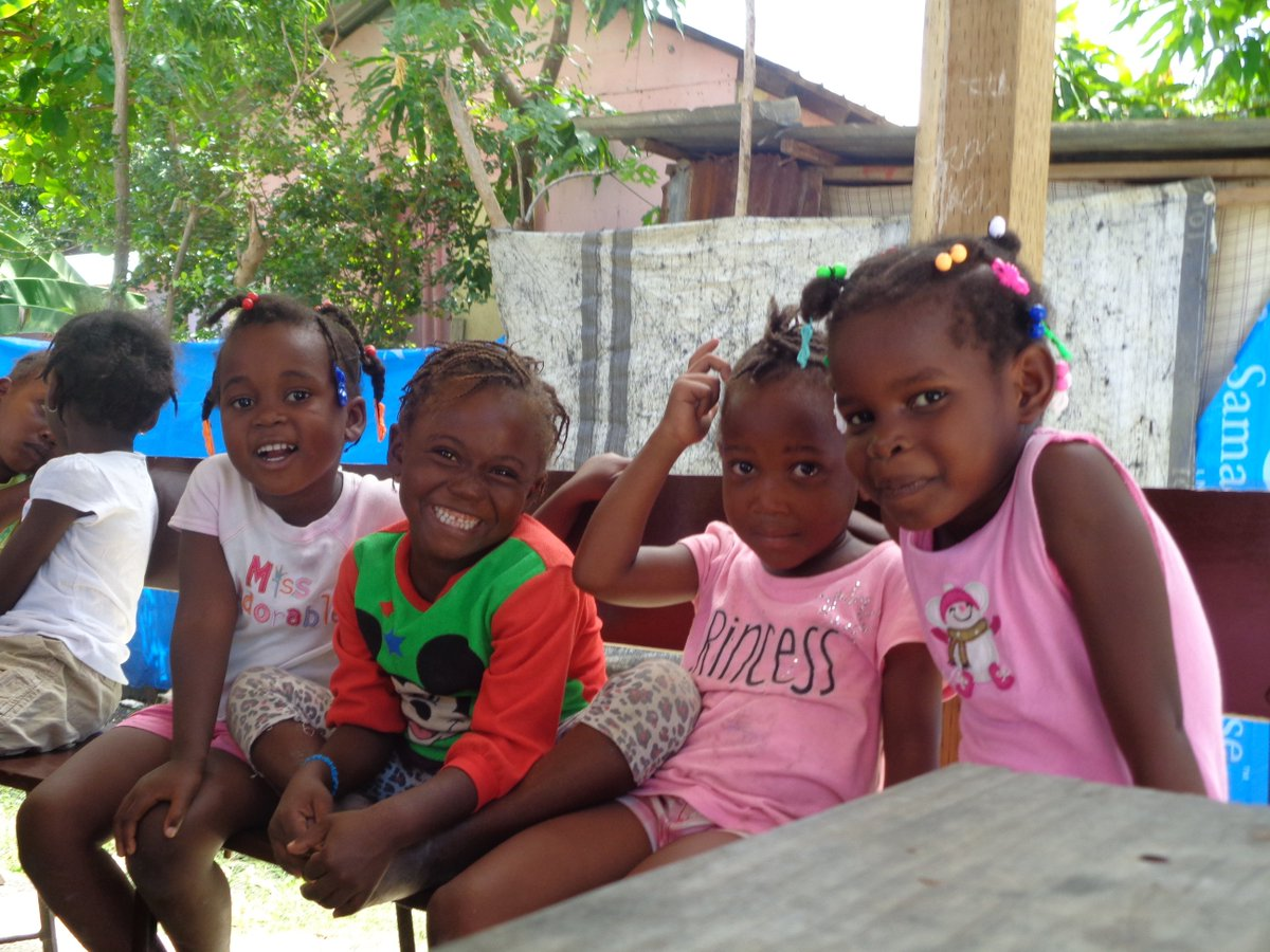 test Twitter Media - Some of our youngest literacy students who are happy to be learning! #teamgoals #learn #grow #Haiti #timounyobel https://t.co/pLWEKaWL4A
