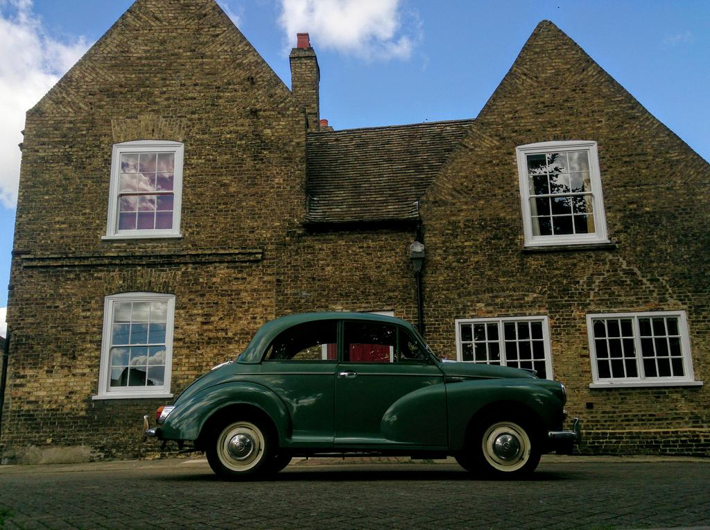 Car envy in Ely, a very tidy Morris Minor! #vintagecars #morrisminor #envy #classiccars<br>http://pic.twitter.com/IiqCZbzKtN