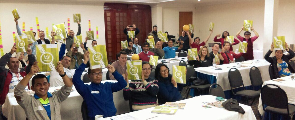 """test Twitter Media - Los profes de 20 IED divirtiendose y aprendiendo nuestra metodología """"Jueguemos por la Paz"""". Estamos #haciendoequipoporlaeducacion https://t.co/XbZB5YbUyI"""