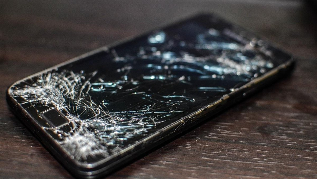 Motorola veut inventer l'écran de smartphone qui se répare tout seul https://t.co/EiyQRNUetD