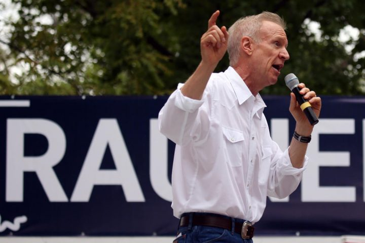 After #Charlottesville, GOP, Dem lawmakers denounce a racist political cartoon from group w &quot;strong ties&quot; to #Rauner  http://www. chicagotribune.com/news/local/pol itics/ct-illinois-policy-institute-cartoon-met-0817-20170816-story.html &nbsp; … <br>http://pic.twitter.com/EwbDN0hiWd