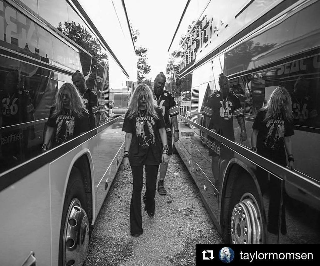 #regram the lovely @taylormomsen ・・・ Great to have @hannahmeadowsphotography back on tour (and Mason too) #vikings…  http:// ift.tt/2x8LuLn  &nbsp;  <br>http://pic.twitter.com/j4ExRCl7aQ