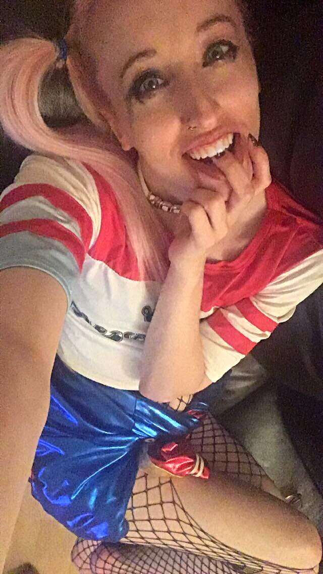 My fave photo #Cosplaying as #HarleyQuinn #SuicideSquad #Cosplay ...just wish it was less grainy <br>http://pic.twitter.com/Jv3tps38zb