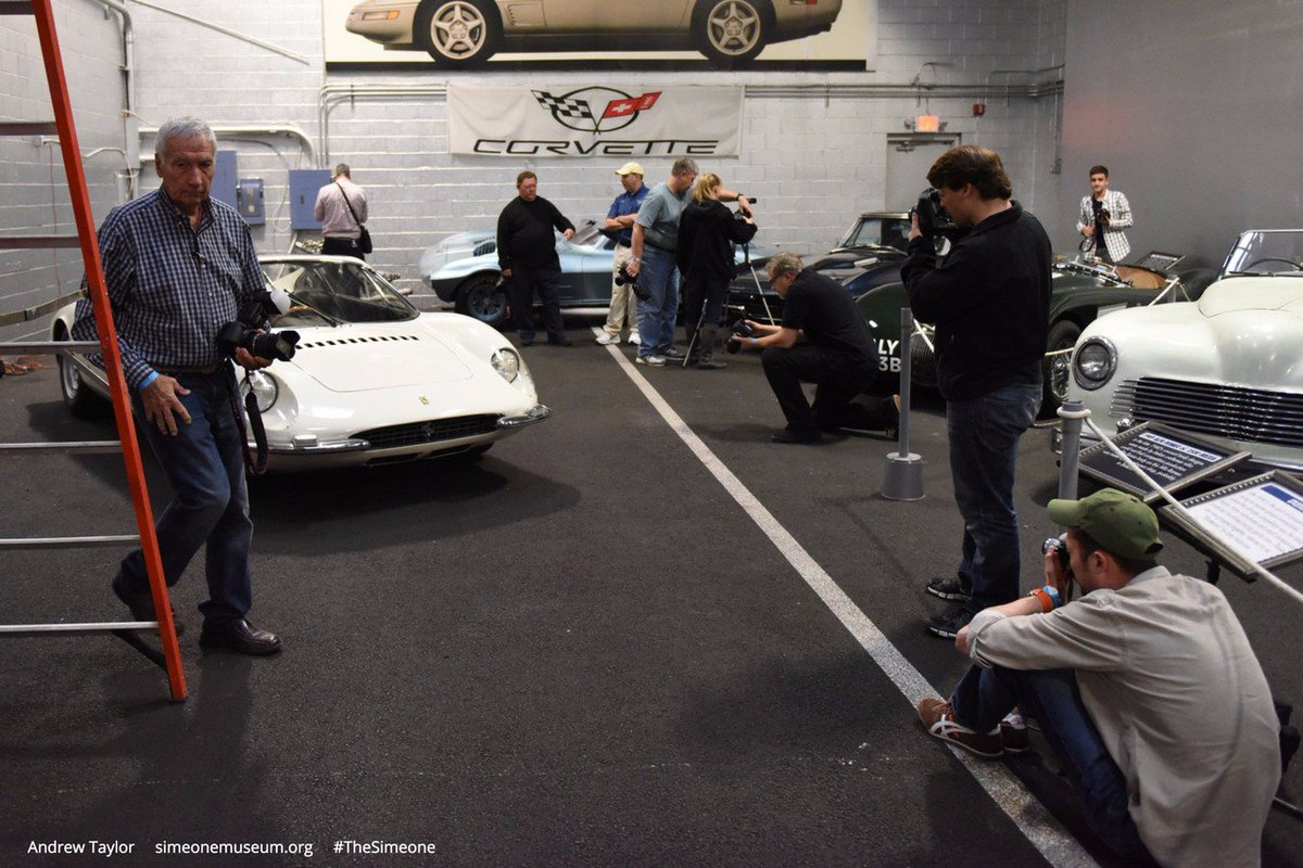 #TBT To November 7, 2015 Foundations of Photography Class - &quot;Composition&quot; at #TheSimeone<br>http://pic.twitter.com/7SHckm9uTd