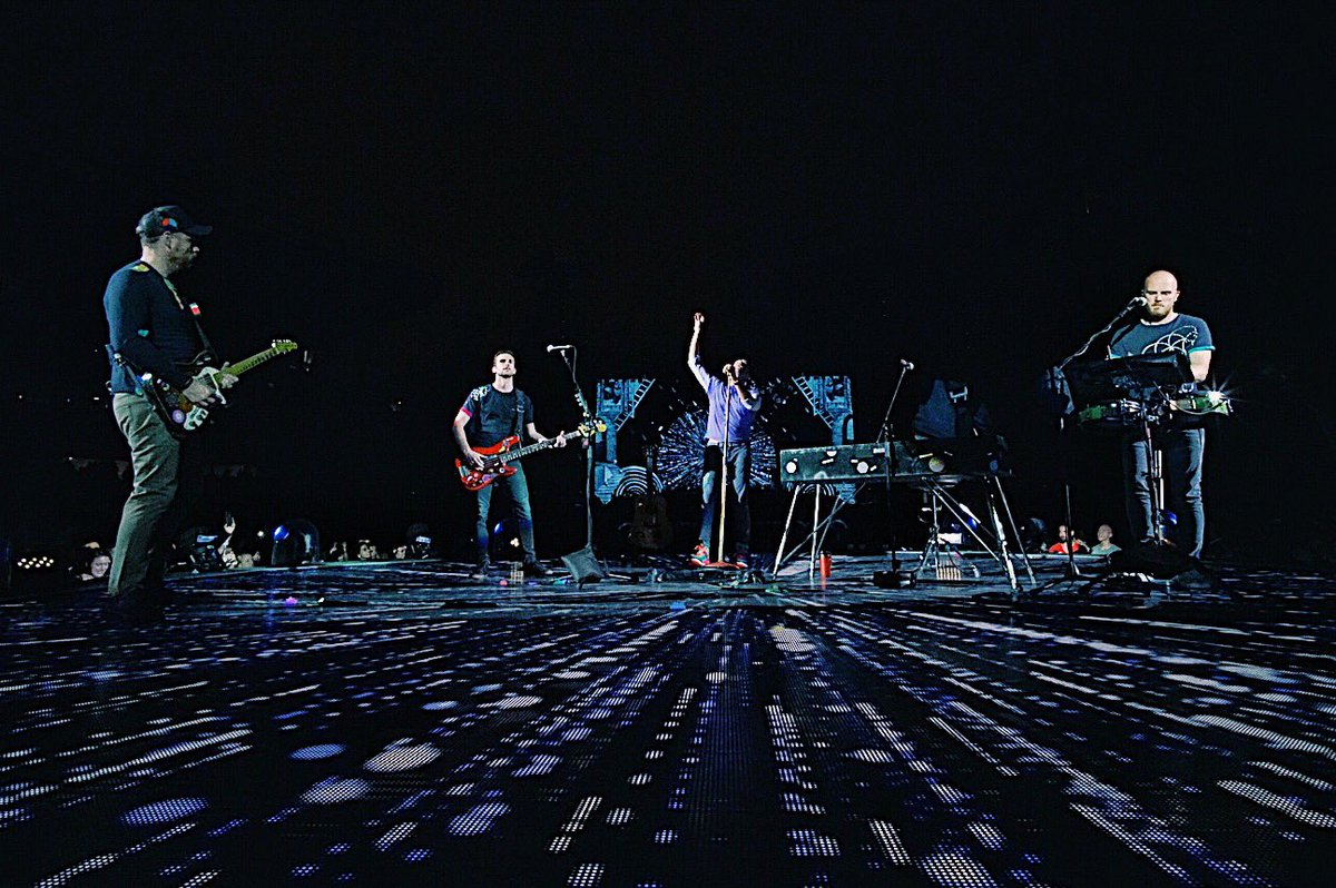 B-Stage #ColdplayChicago R42 https://t.co/60lZ2YGr6o