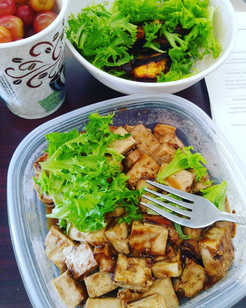 Yummy breakfast!! #GamersUnite #twitch #BeHealthy #StayPositive #vegan #Peace #Love #motivation #Healthy #produce #veggies #blog #run #Life<br>http://pic.twitter.com/rGL2gEknzG