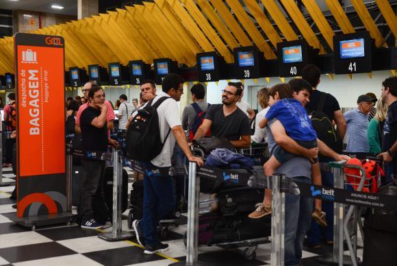 Governo quer leiloar Congonhas e mais 12 aeroportos à iniciativa privada https://t.co/u01IkcPCE5 (📷 Rovena Rosa/Arquivo ABr)