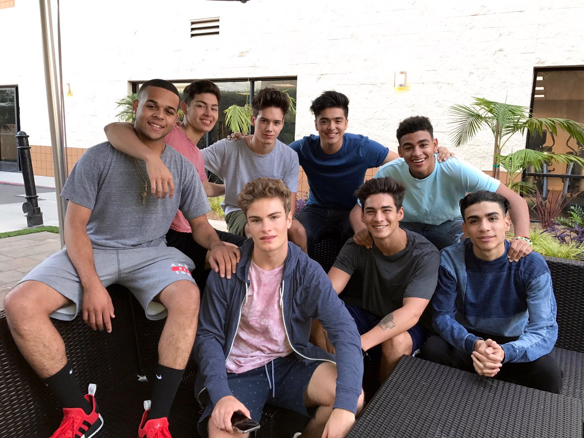 Tonight the final eight perform solo numbers! #BoyBand starts now! Ple...