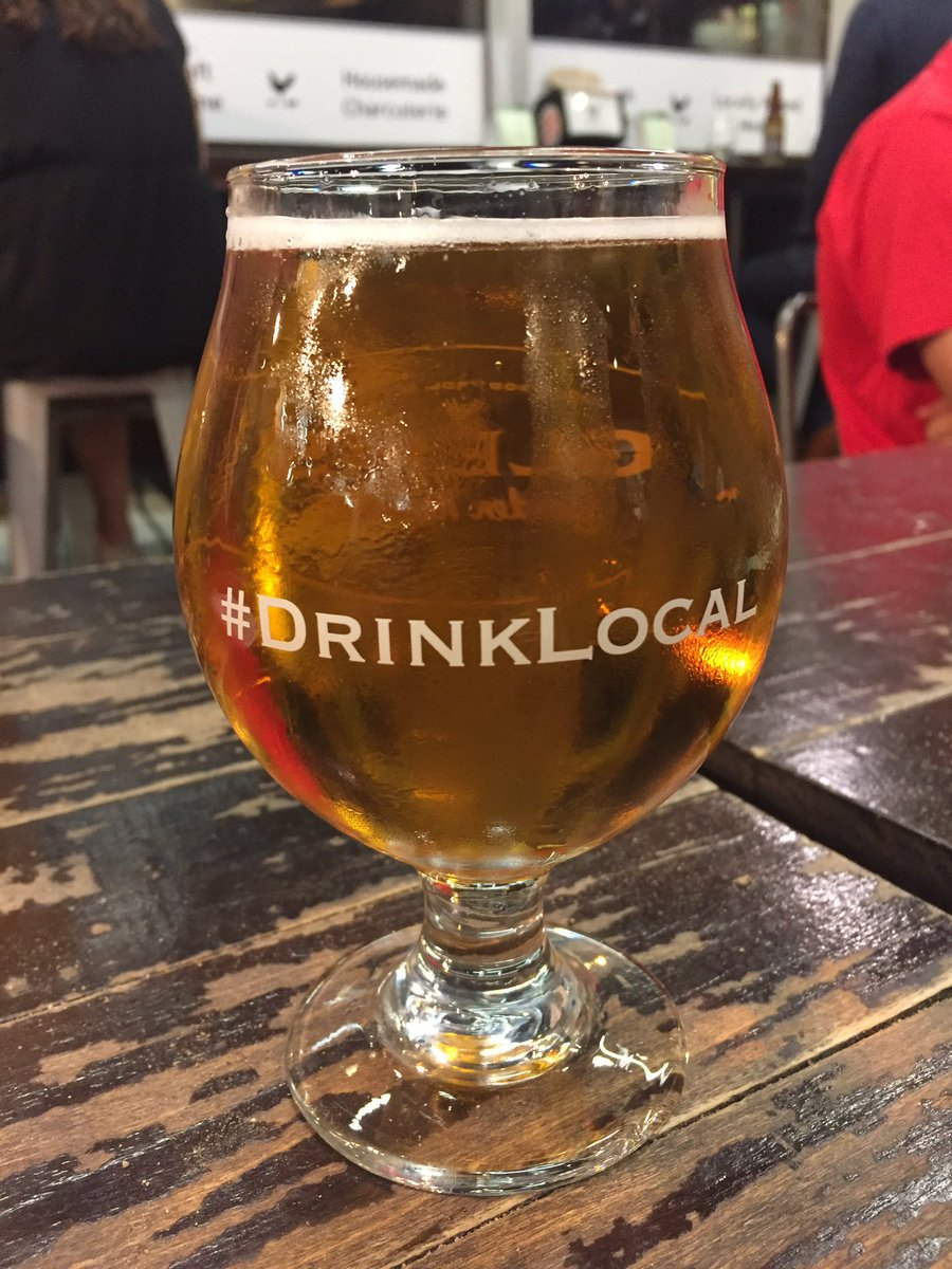Hey @heurichhouse finally found some @dcbrau Heurich&#39;s Lager at @GlensGardenMkt in #Dupont. So good! #drinklocal<br>http://pic.twitter.com/21tJExGSb7