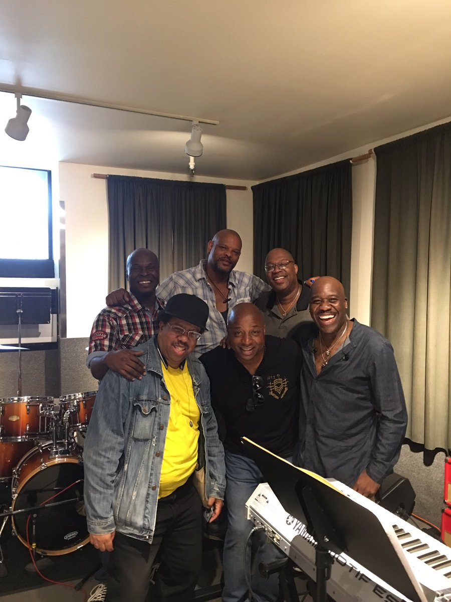 Great rehearsal today with the incredible @WILLDOWNING3 #JamesDTrainWilliams #BuddyWilliams #HubertEaves #ArtyWhite #amazingbandpic.twitter.com/KpzwlqLrhA