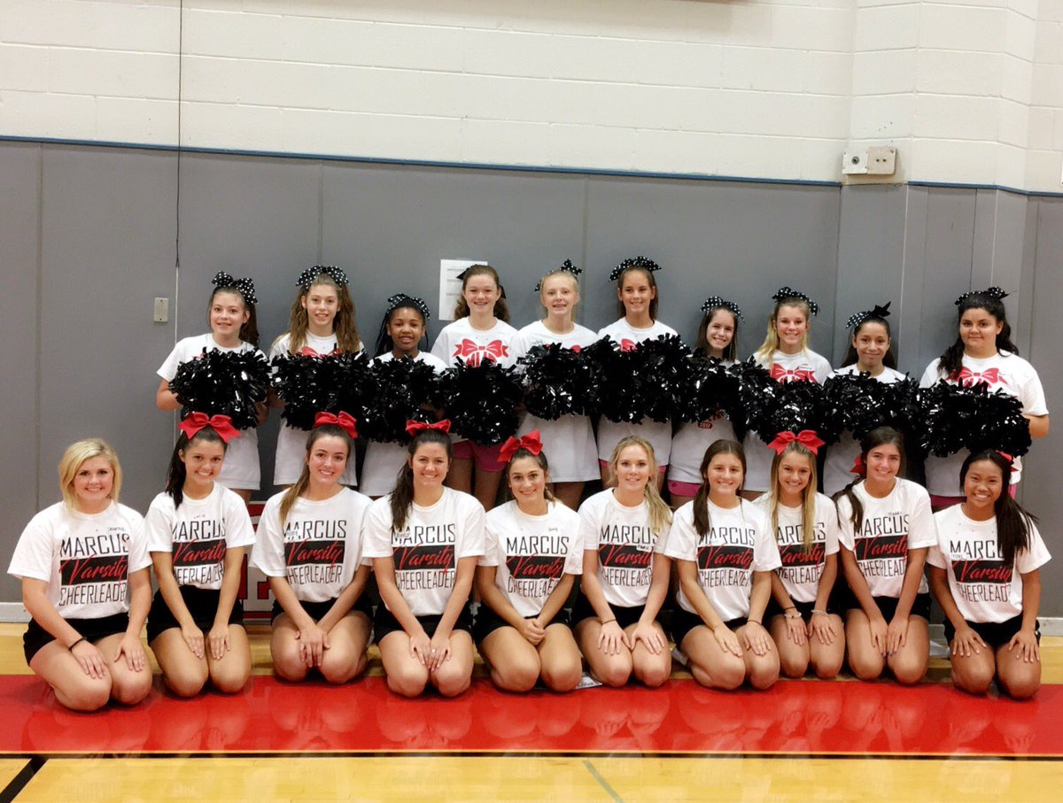 MHS Cheer loved partnering with the Lamar MS Cheerleaders to provide their cheer camp this year! #connections #Ourfuture <br>http://pic.twitter.com/gekfGypkLl