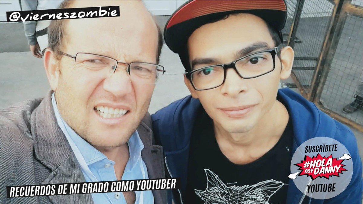 #QuisieraGraduarmeDe... Youtuber. con la ayuda de @vierneszombie https...