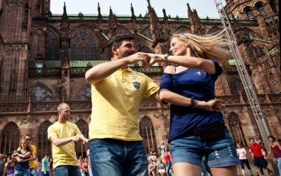 Flashmob « West Coast Swing » en approche  http:// ift.tt/2wkSE1R  &nbsp;   #Strasbourg #Alsace<br>http://pic.twitter.com/MZilBKlesc