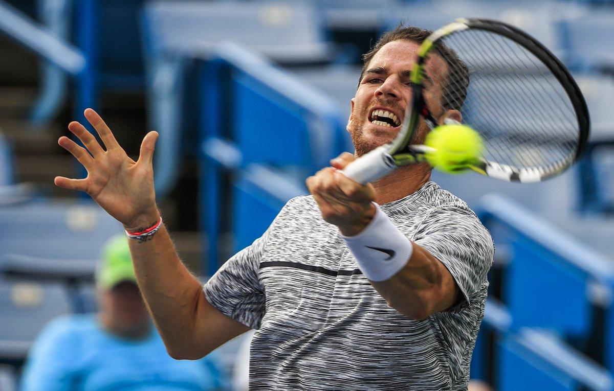 Tough win for Dominic #Thiem 7-6 7-6 vs Adrian Mannarino to book a spot in #Cincinnati quarter-finals<br>http://pic.twitter.com/tyohm7ZM2P