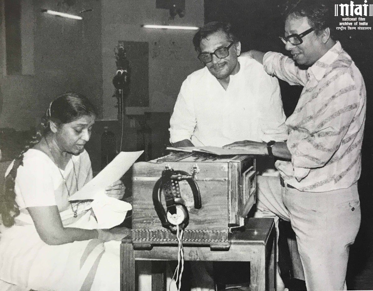 #Gulzar, RD Burman and Asha Bhosle share a candid moment at work. http...