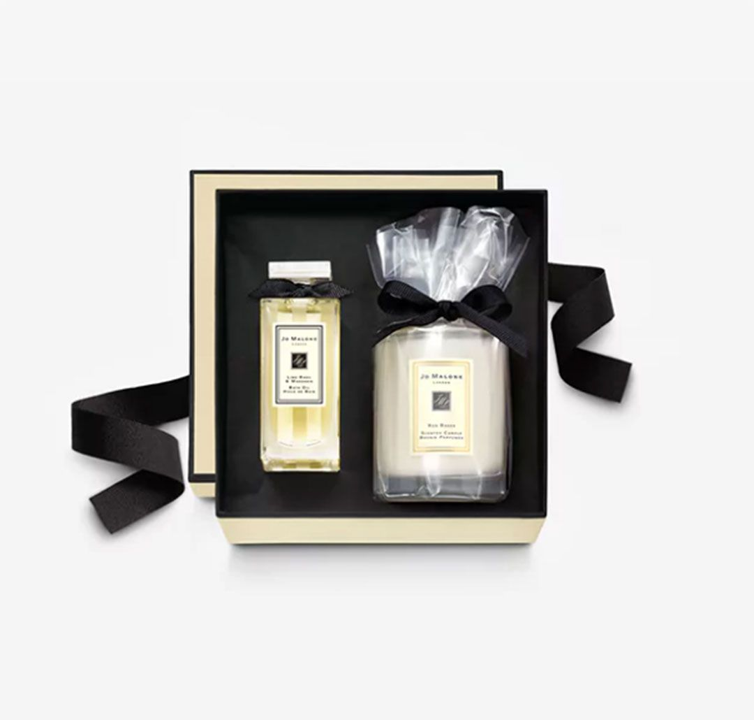 #FreebieFriday #Competition - For your chance to #Win this @JoMaloneLondon gift - Follow &amp; #Vote for us here  http:// bit.ly/Vote-FaB  &nbsp;  <br>http://pic.twitter.com/NDos7JiWz6