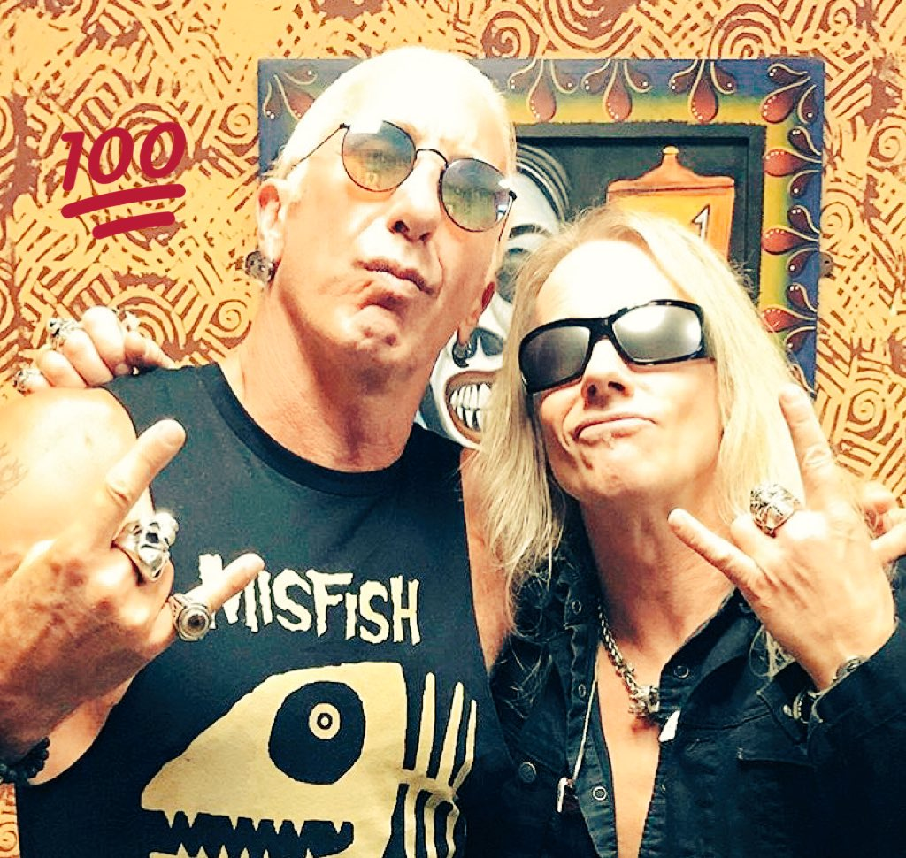 I learned how to rock a crowd by watching this guy @deesnider great hang and chat #monster #leadsinger #influencer @wornstar @dillonoptics<br>http://pic.twitter.com/9AMfGGueTz