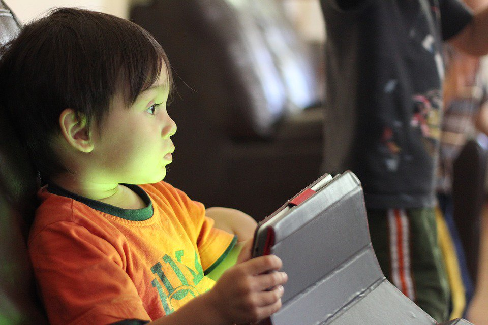 The Value of #Digital #Learning  http:// bit.ly/2bAotba  &nbsp;    #education #edtech #edchat #games #tech #teachers #kids #parents $KNM<br>http://pic.twitter.com/8fGdMop8kk