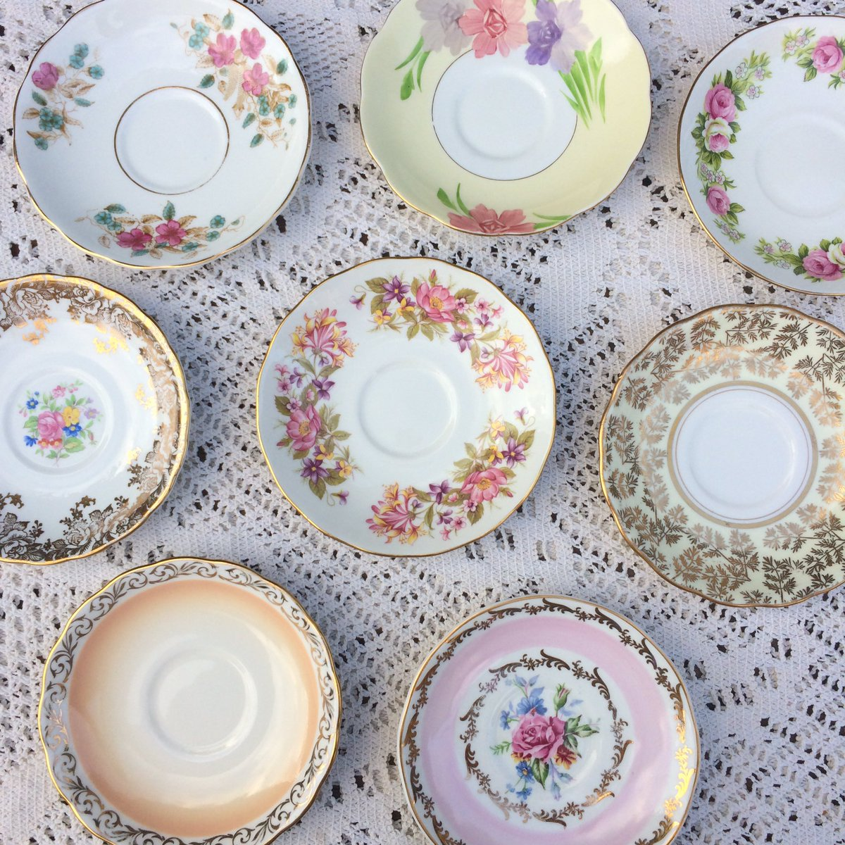 It&#39;s Friday! Time to say hello to all our new followers and thank you for this weeks RT &amp;  #FollowFriday #vintage #tea #afternoonteaweek <br>http://pic.twitter.com/SrkHe46xeB