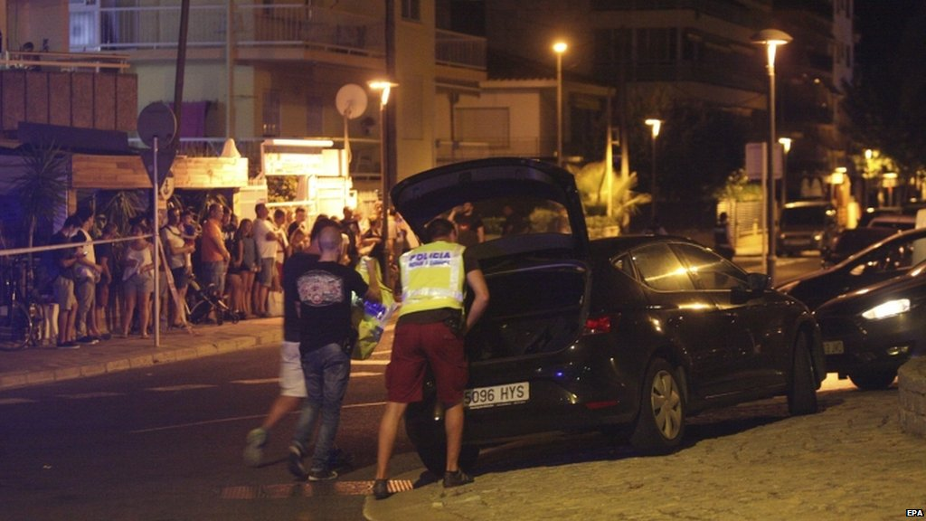 #Barcelona latest  • 13 dead, 100+ injured • Driver at-large • 7 injured in #Cambrils attack • 5 terrorists killed  https://t.co/9f6cOQqAwJ