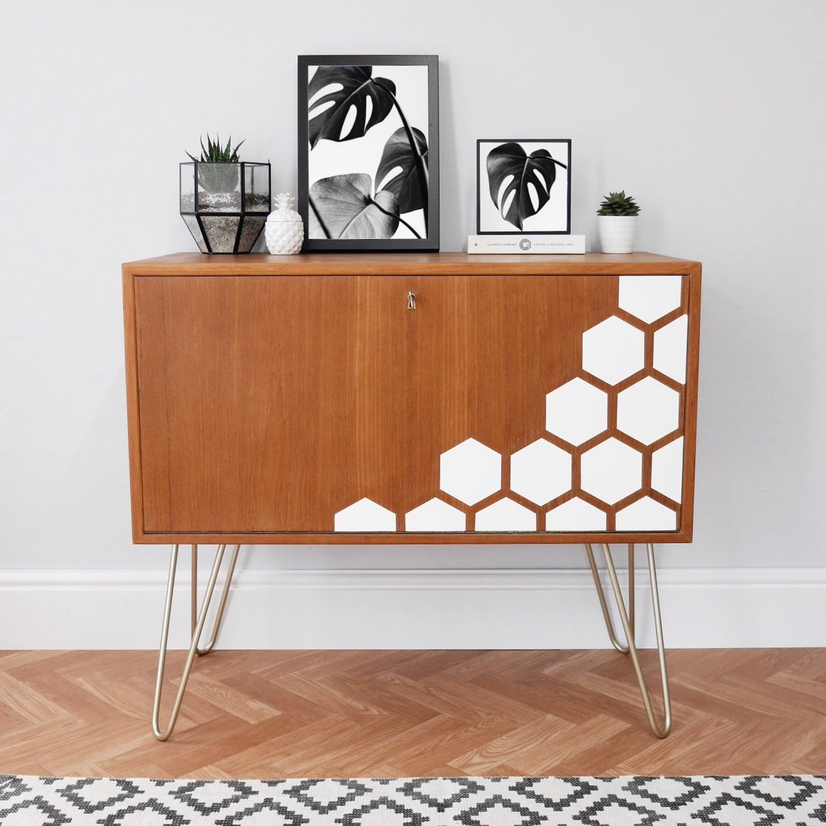 This might be my new favourite  #upcycled #midcentury #vintage #etsyshop<br>http://pic.twitter.com/k4mHAmUFxs