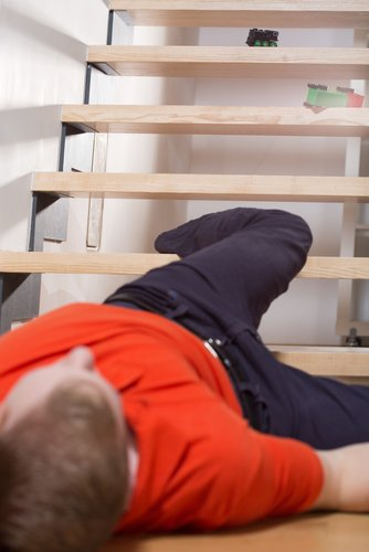 Slip and Fall Injury on Faulty Steps  https://www. legalsurvival.com/slip-and-fall- injury-on-faulty-steps/ &nbsp; …  #Rochester #Lawyers<br>http://pic.twitter.com/xP7sV2OpXC