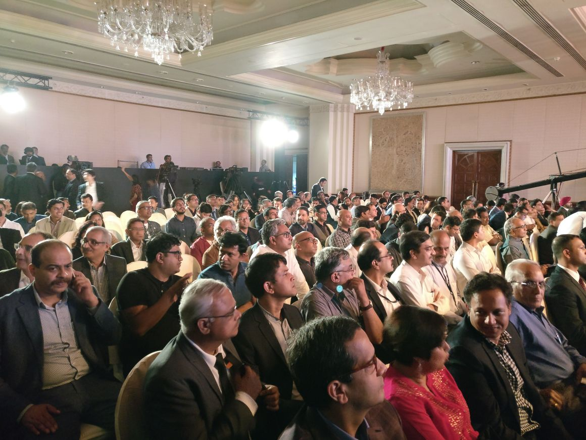 It's a #housefull at the #ETStartupAwards. Catch all the updates of th...