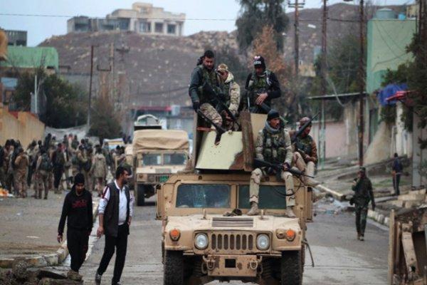 بغداد تقر بتجاوزات 'فرقة الرد السريع' ضد أهالي الموصل : https://t.co/l...