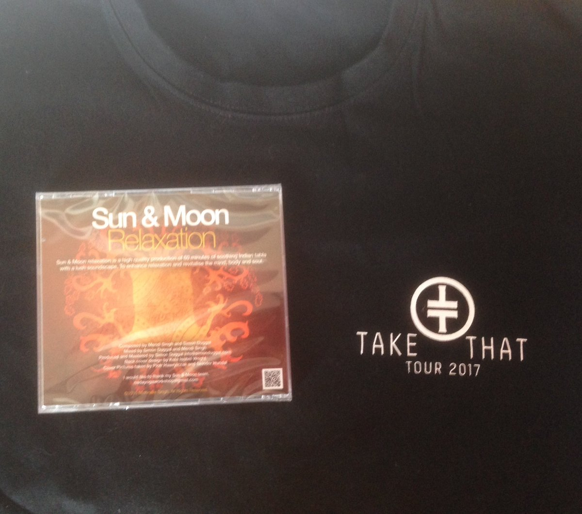 Winner will be picked tonight @ 8pm! Follow &amp; RT using #Sun&amp;Moon to win a copy of my CD &amp; exclusive @takethat crew tshirt.Good luck x<br>http://pic.twitter.com/pWnY6O77eZ