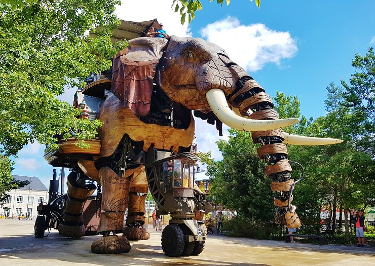 #FridayFeeling 5 interesting reasons why #Nantes France, should be your next weekend break @atoutfranceukpr  http://www. melbtravel.com/2017/08/5-inte resting-things-nantes-france/ &nbsp; … <br>http://pic.twitter.com/Ad3vKxNuh3